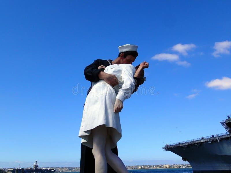Statua baciare o di resa incondizionata fotografie stock libere da diritti