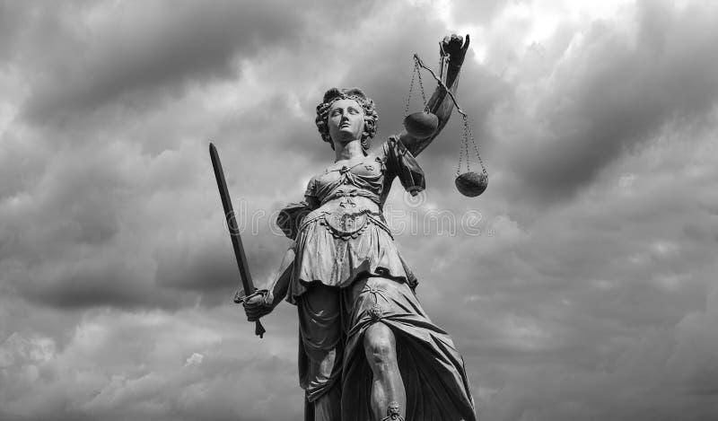 Risultati immagini per dea della giustizia
