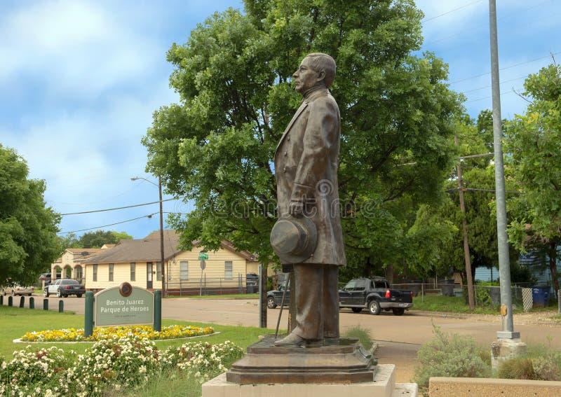 Statua bronzea di Benito Juarez in Benito Juarez Parque de Heroes, Dallas City Park a Dallas, il Texas fotografia stock