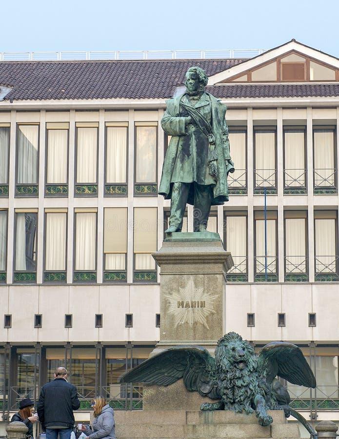 Statua bronzea di Daniele Manin e di un leone alato, Venezia fotografia stock