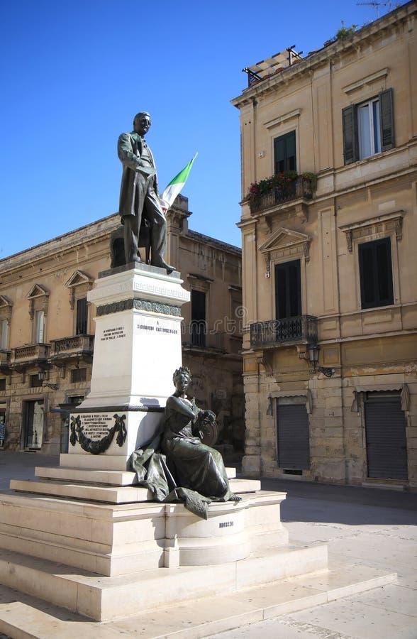 Statua bronzea a Sigismondo Castromediano, Lecce, Italia fotografia stock libera da diritti
