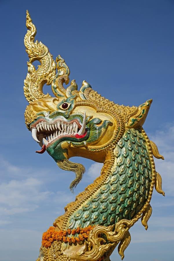 statua capa del naga in Thakhek Laos immagine stock