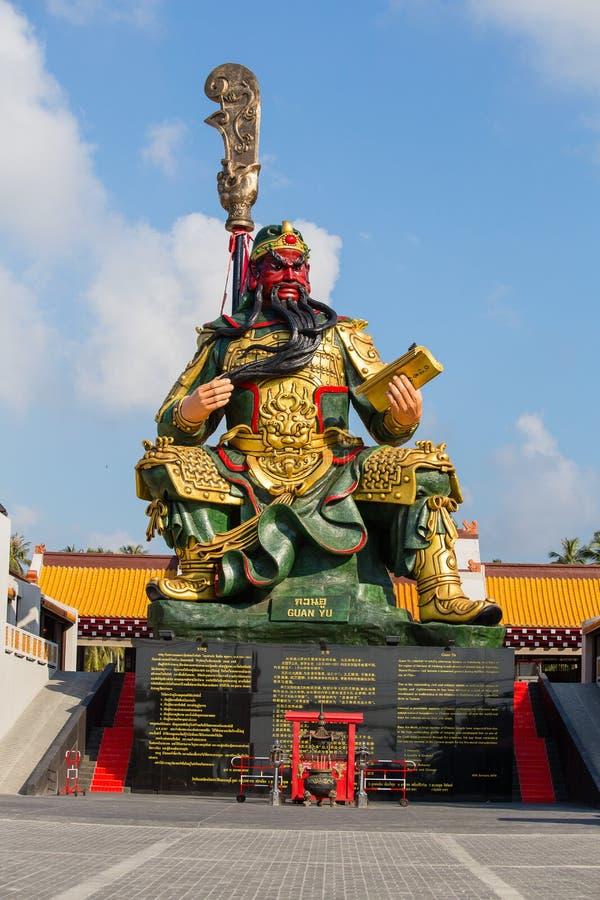 Statua cinese di Guan Yu in isola Koh Samui, Tailandia immagini stock libere da diritti