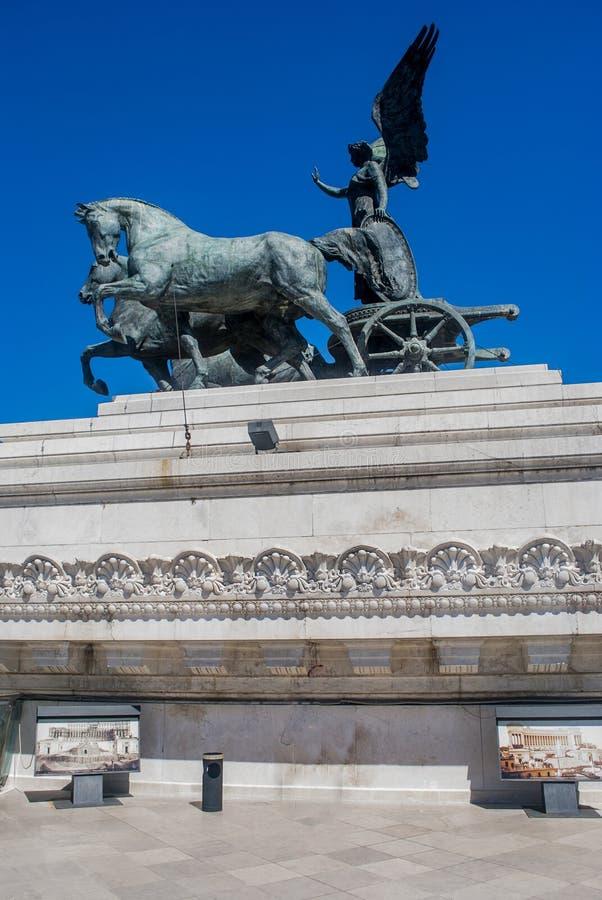 Statua dal, monumento di Vittorio Emanuele II sulla piazza Venezia, Roma, Italia fotografia stock