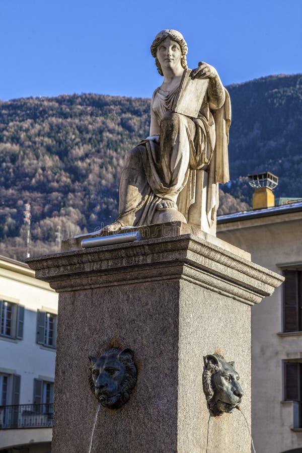 Statua dedykująca historia xix wiek Tirano Włochy fotografia royalty free