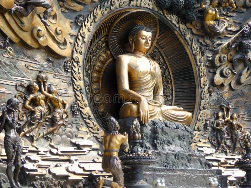 Statua dei murali di Buddha a Lingshan immagine stock
