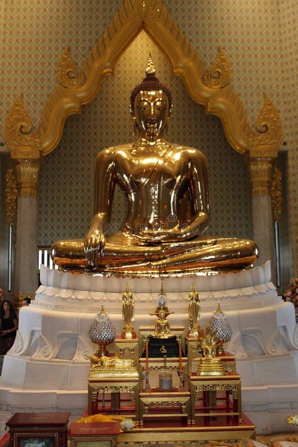 Statua del Buddha dorato in Tailandia fotografia stock libera da diritti
