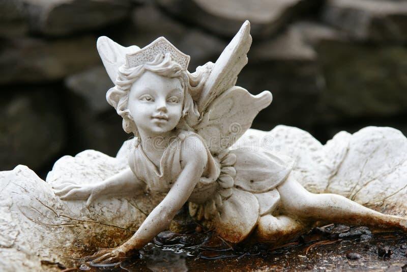 Statua del Cupid immagini stock libere da diritti