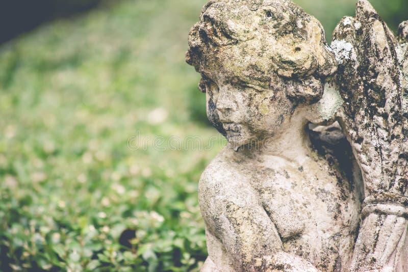 Statua del giardino immagini stock libere da diritti