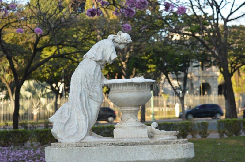Statua del giardino fotografia stock libera da diritti