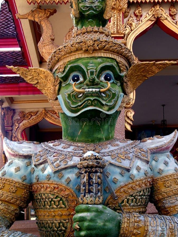 Download Statua Del Guardiano Ad Un Tempiale Tailandese Immagine Stock - Immagine di preghiera, statuetta: 7310771
