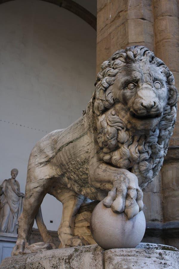Statua del leone sul della Signoria, Firenze, Italia della piazza fotografia stock libera da diritti
