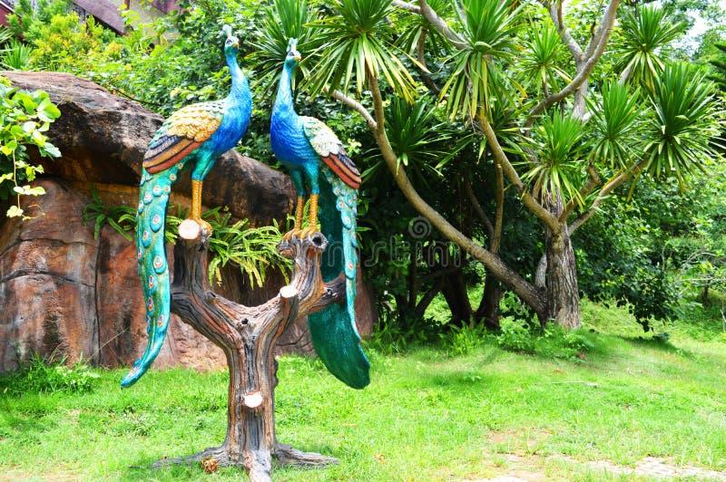 Statua del pavone fotografia stock libera da diritti