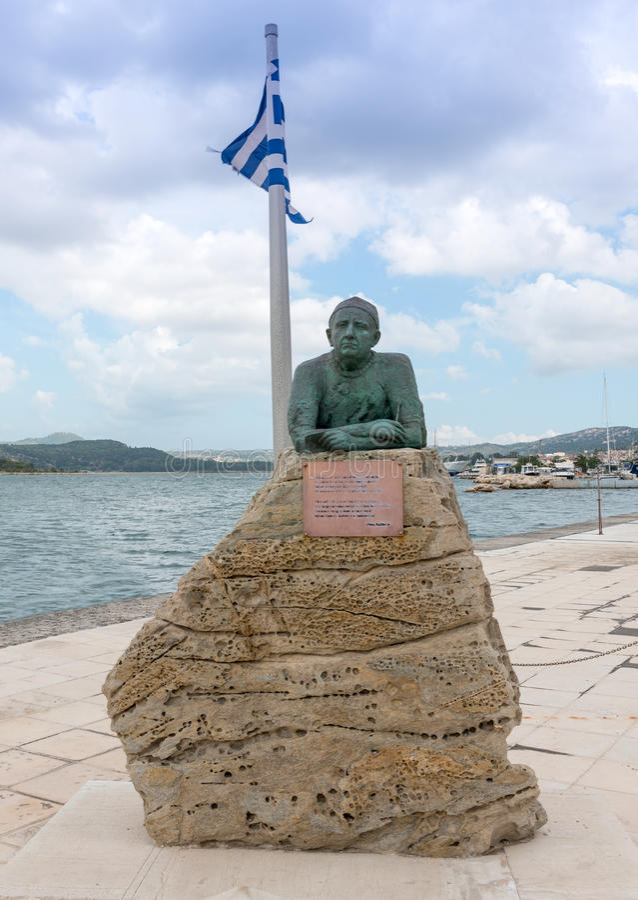 Download Statua Del Poeta Nikos Kavadias Fotografia Stock - Immagine di isola, ionico: 56890384
