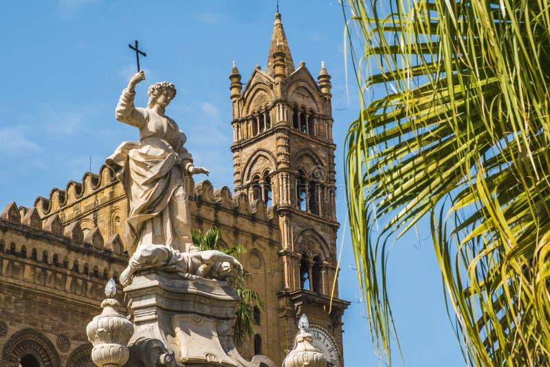 Statua del san Rosalia a Palermo in Sicilia, Italia fotografia stock