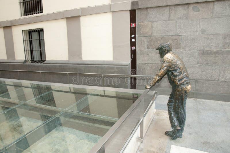 Statua dell'uomo - Madrid - Spagna fotografia stock
