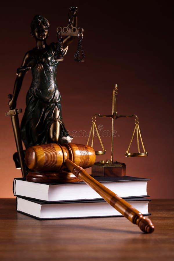Statua della giustizia, legge, tema vivo leggero ambientale fotografie stock libere da diritti