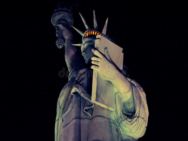 Statua della libertà di Las Vegas alla notte fotografia stock libera da diritti