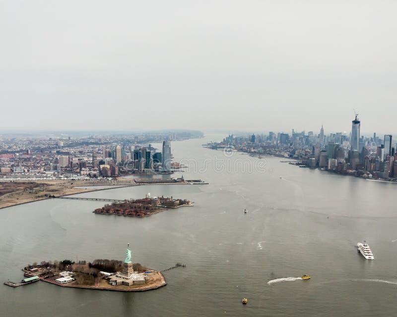Statua della libertà/Lower Manhattan fotografia stock