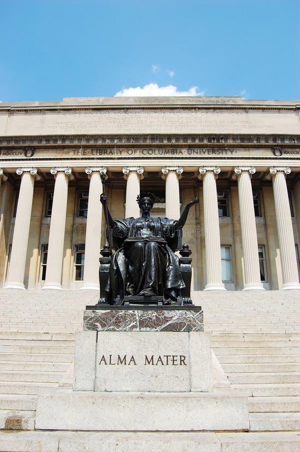 Statua della libreria e di Alma Mater dell'Università di Columbia fotografia stock