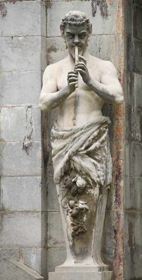 Statua della pentola presa al pakr del palazzo di Massandra, Jalta, fotografia stock libera da diritti