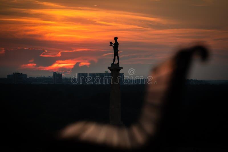 Statua della vittoria a Kalemegdan a Belgrado fotografia stock libera da diritti