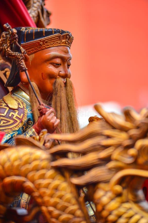 Statua delle dee cinesi con il motivo del drago come priorità alta fotografia stock libera da diritti