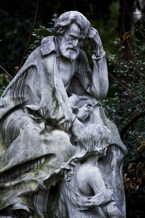 Statua di Ambroise Thomas nel monceau Parigi del parc immagine stock