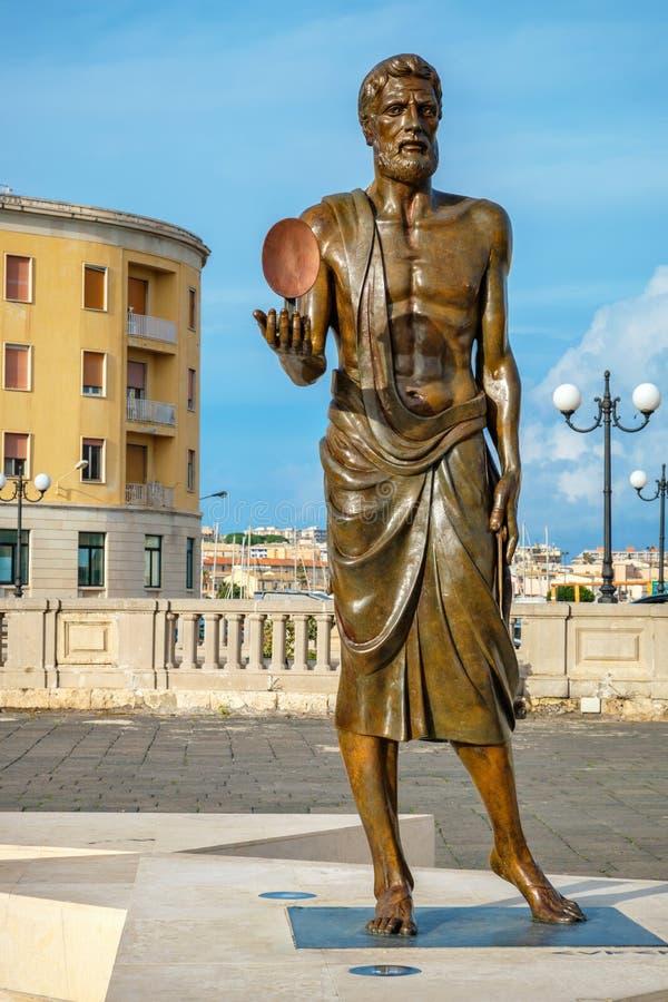 Statua di Archimede Siracusa, Sicilia, Italia fotografie stock