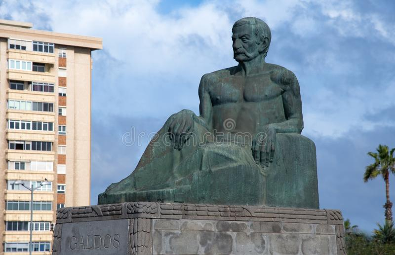 Statua di Benito Galdos fotografia stock