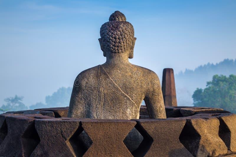 Statua di Buddha al tempio di Borobudur, Indonesia immagini stock