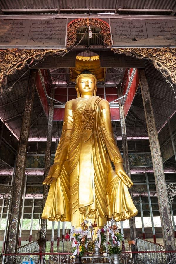 Statua di Buddha, collina di Mandalay, Birmania fotografia stock