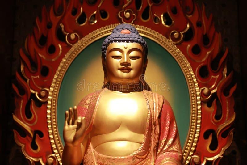 Statua di Buddha nel tempio e nel museo della reliquia del dente di Buddha fotografie stock libere da diritti