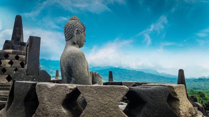 Statua di Buddha in tempio di Borobudur Java, Indonesia fotografia stock libera da diritti