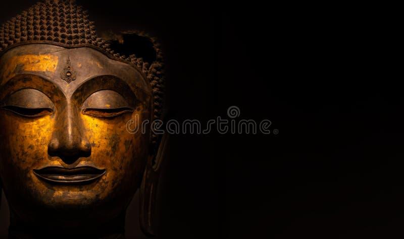 Statua di Buddha usata come amuleti della religione di buddismo immagini stock libere da diritti