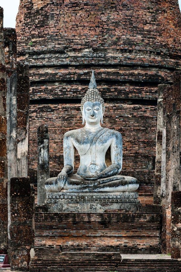 Statua di Buddha a Wat Sa-Si Temple nel parco storico dell'Unione Sovietica immagine stock