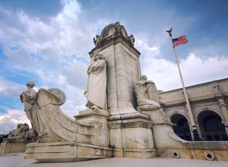 Statua di CC di Christopher Columbus Outside Union Station Washington, U.S.A. immagini stock libere da diritti