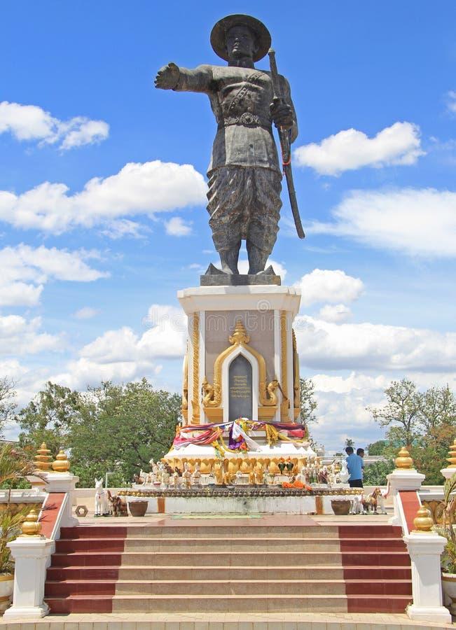 Statua di Chao Anouvong a Vientiane fotografie stock