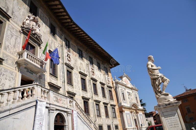 Statua di Cosimo I de Medici immagini stock