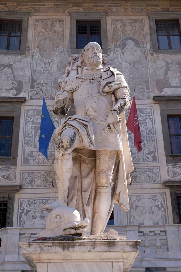 Statua di Cosimo I de Medici, granduca della Toscana a Pisa fotografia stock libera da diritti