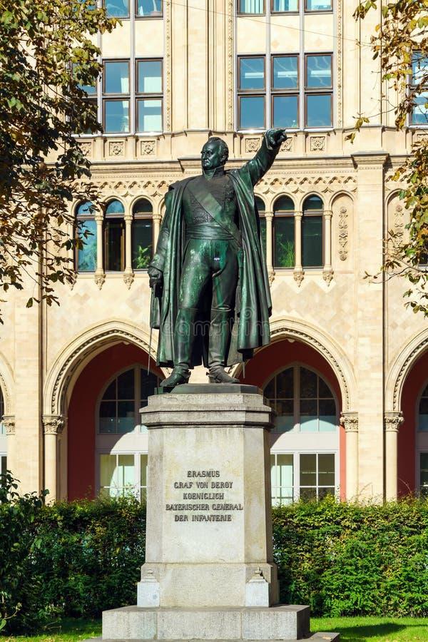 Statua di generale tedesco von Deroy 1856 da Johann von Halbig o fotografia stock