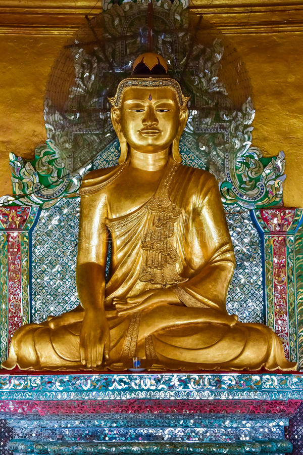 Statua di immagine del Myanmar Buddha immagine stock