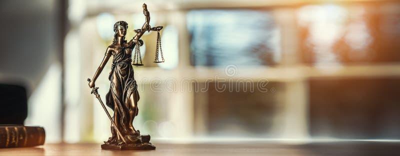 Statua di Jutsice fotografia stock libera da diritti