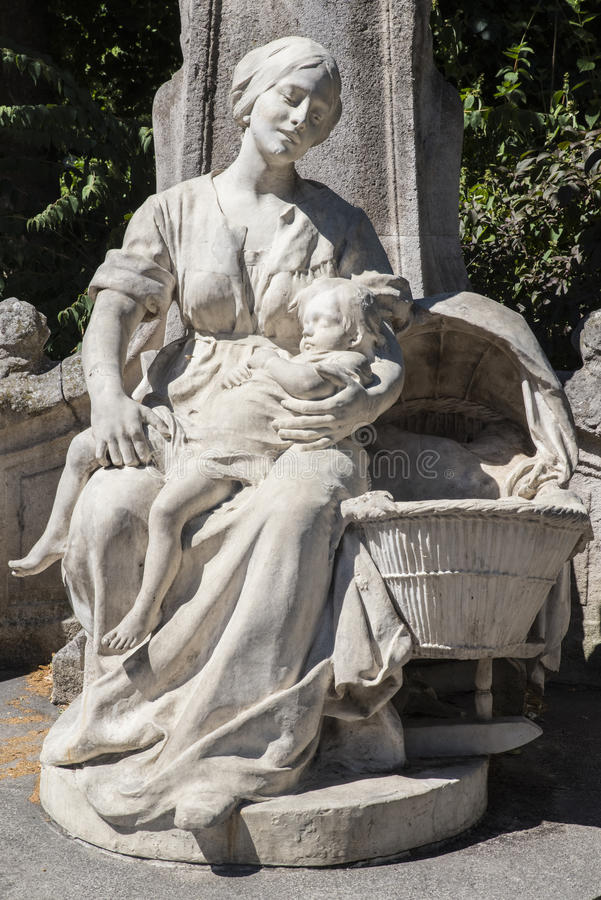 Statua di Le Petit Quinquin ad Alexandre Desrousseaux Monument immagini stock