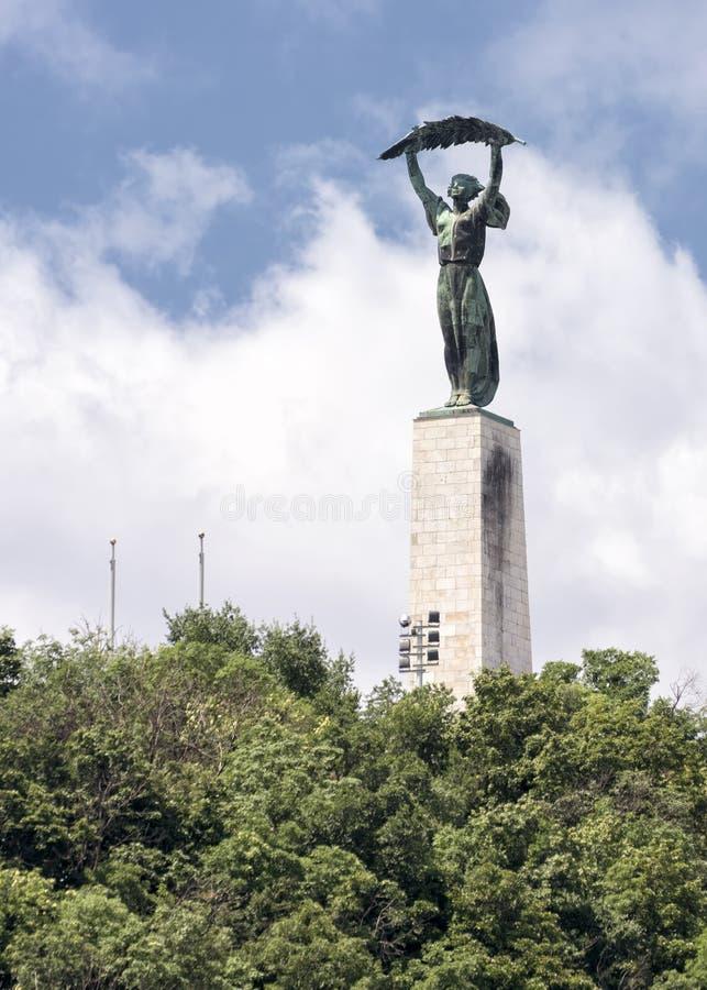 Download Statua Di Libertà, Budapest, Ungheria Immagine Stock - Immagine di flagpole, statua: 56882783
