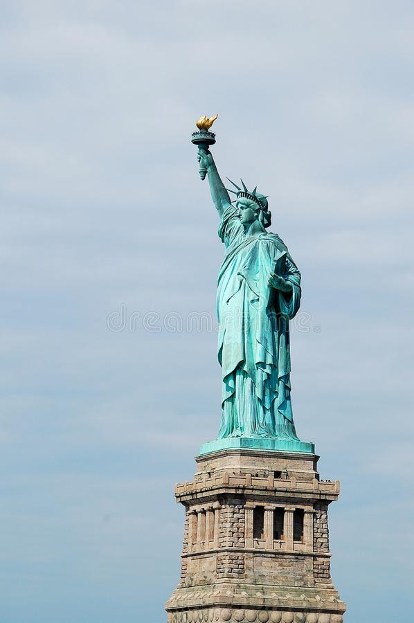 Statua di libert? & del tramonto di New York City fotografia stock