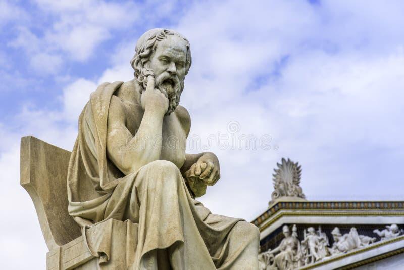 Statua di marmo antica di grande filosofo greco Socrates sopra fotografia stock libera da diritti