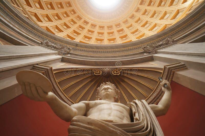 Statua di marmo nel museo del Vaticano fotografia stock