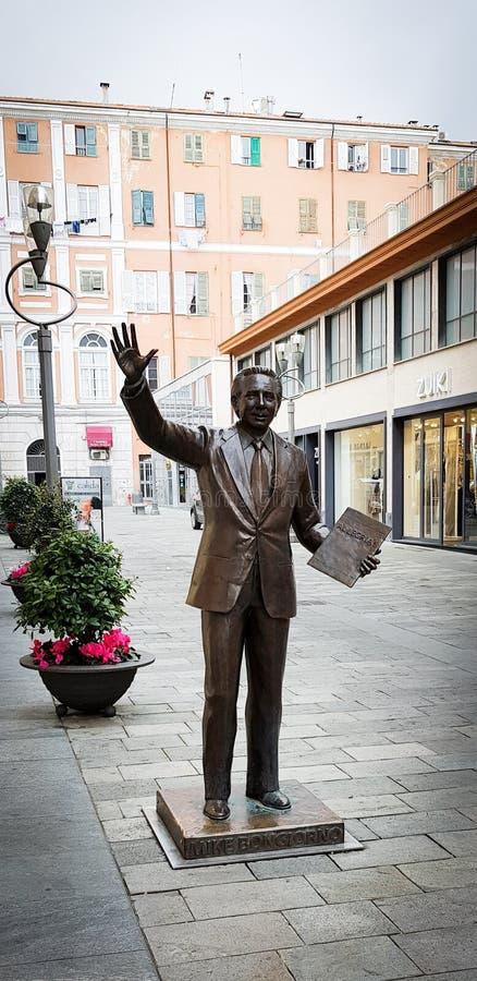 Statua di Mike Bongiorno fotografia stock