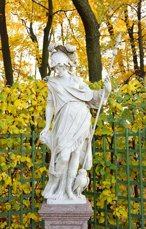 Statua di Minerva della dea alla sera fotografie stock